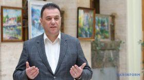 """Михайло Рівіс, голова Закарпатської облради Два """"кити"""", на яких встоїть регіон, – туризм і лайтова промисловість"""
